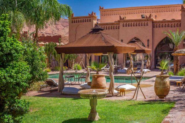 Vue piscine Hôtel ksar Ighnda